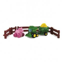 """Игровой набор Tomy """"Приключения трактора Джонни и поросенка на ферме"""""""