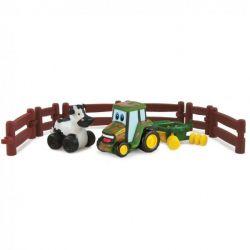 """Игровой набор Tomy """"Приключения трактора Джонни и коровы на ферме"""""""